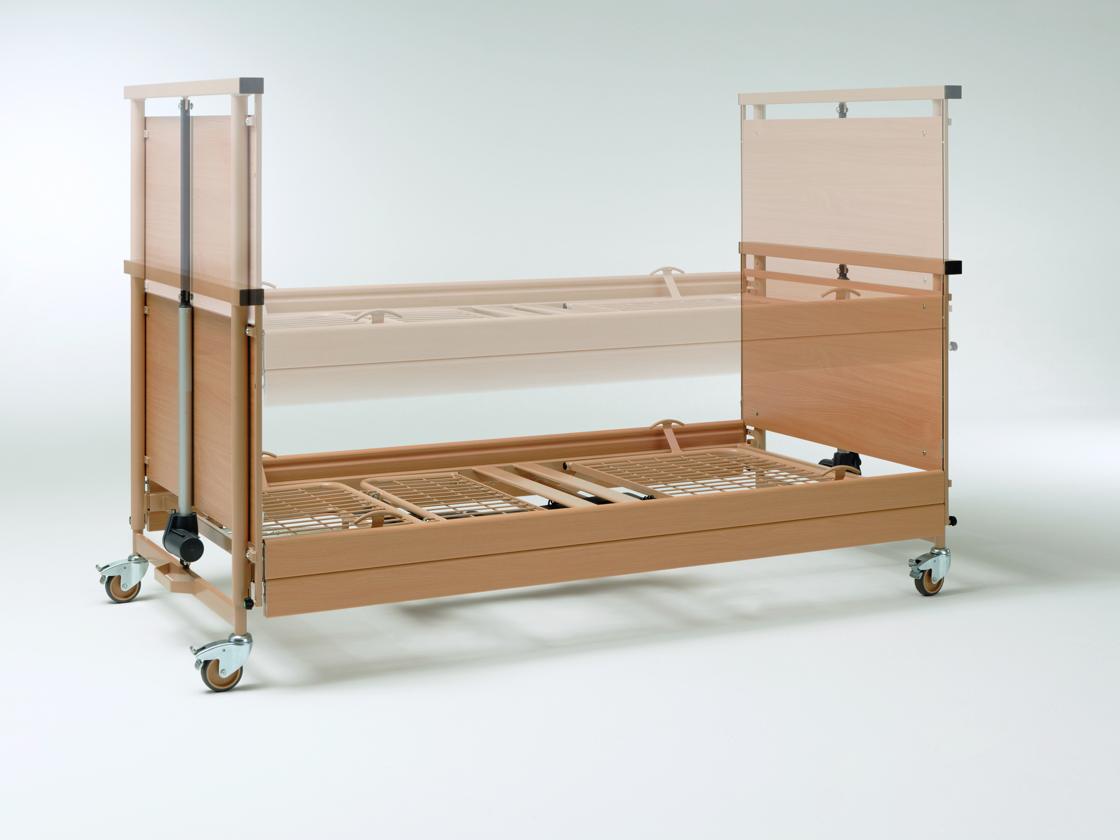 Large height adjustment range of the Allura II heavy-duty bed