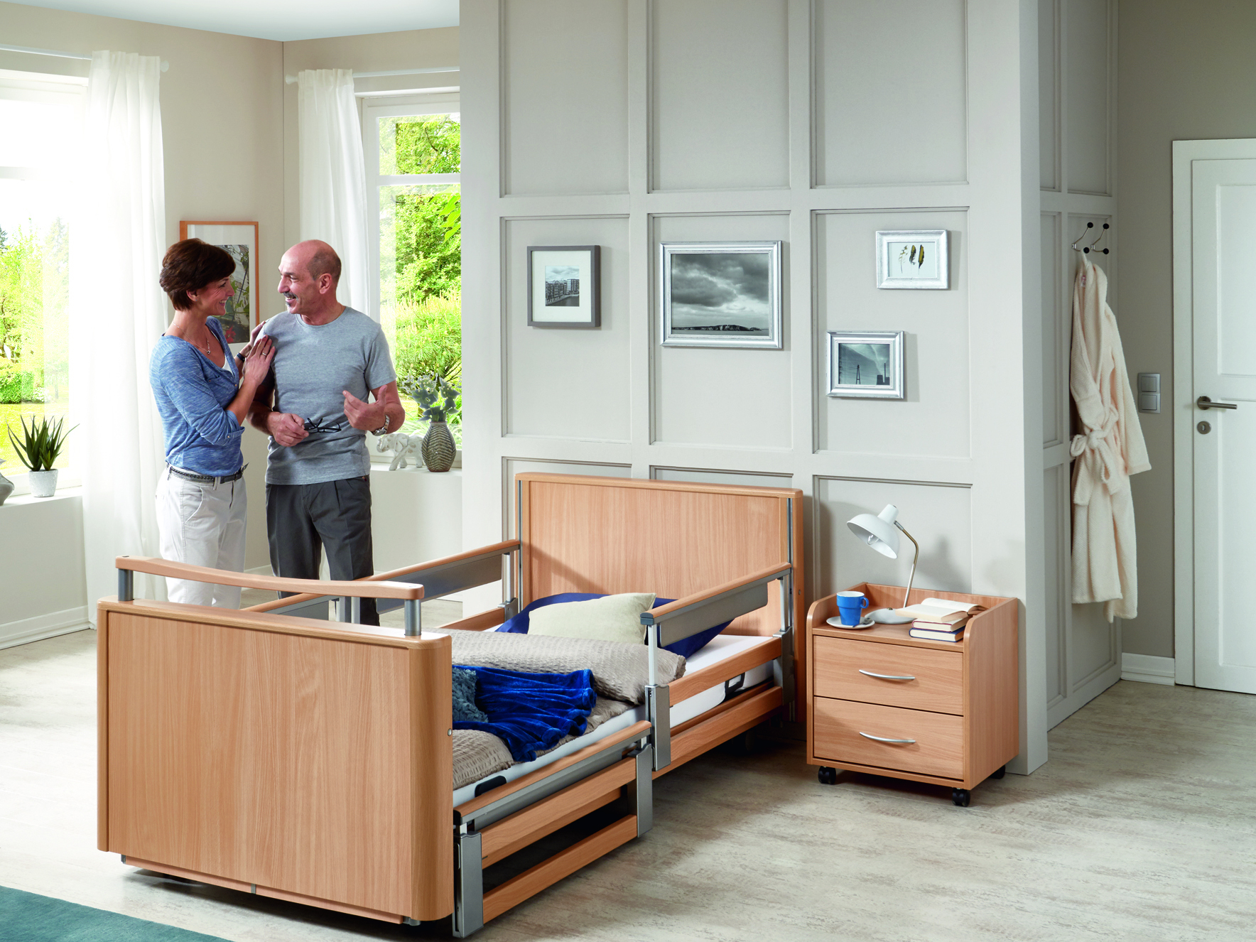 2-stage telescopic safety side (TSG) of the Inovia care bed