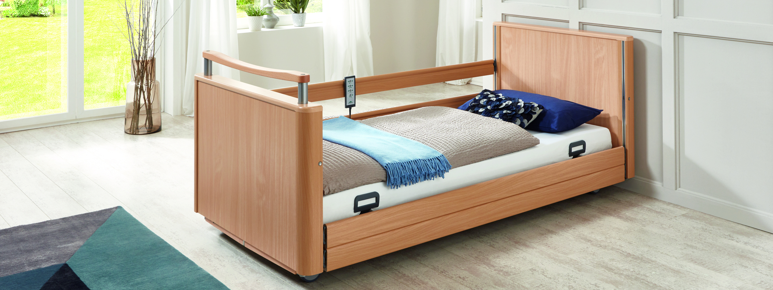 Full-length safety side (DSG) of the Inovia care bed