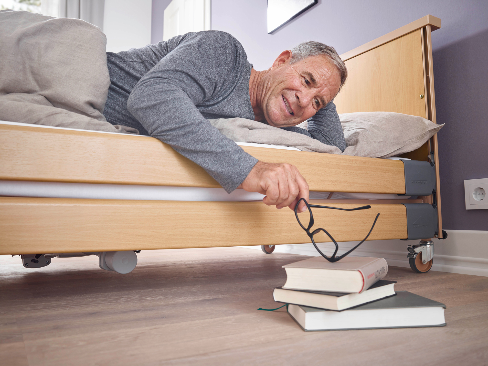 Fall prevention with the Dali low entry low-height bed