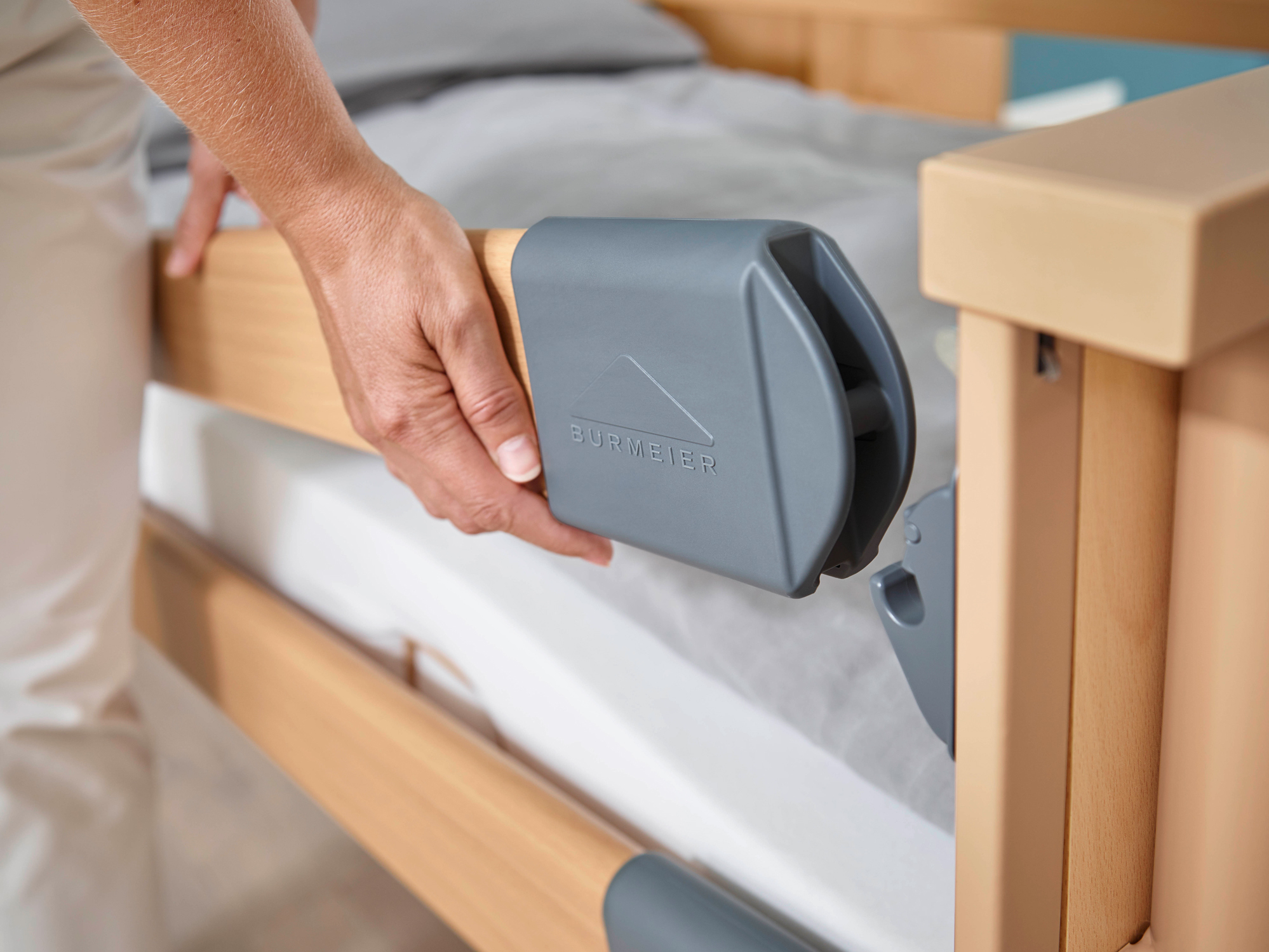 Easy Click system in the Dali care bed range