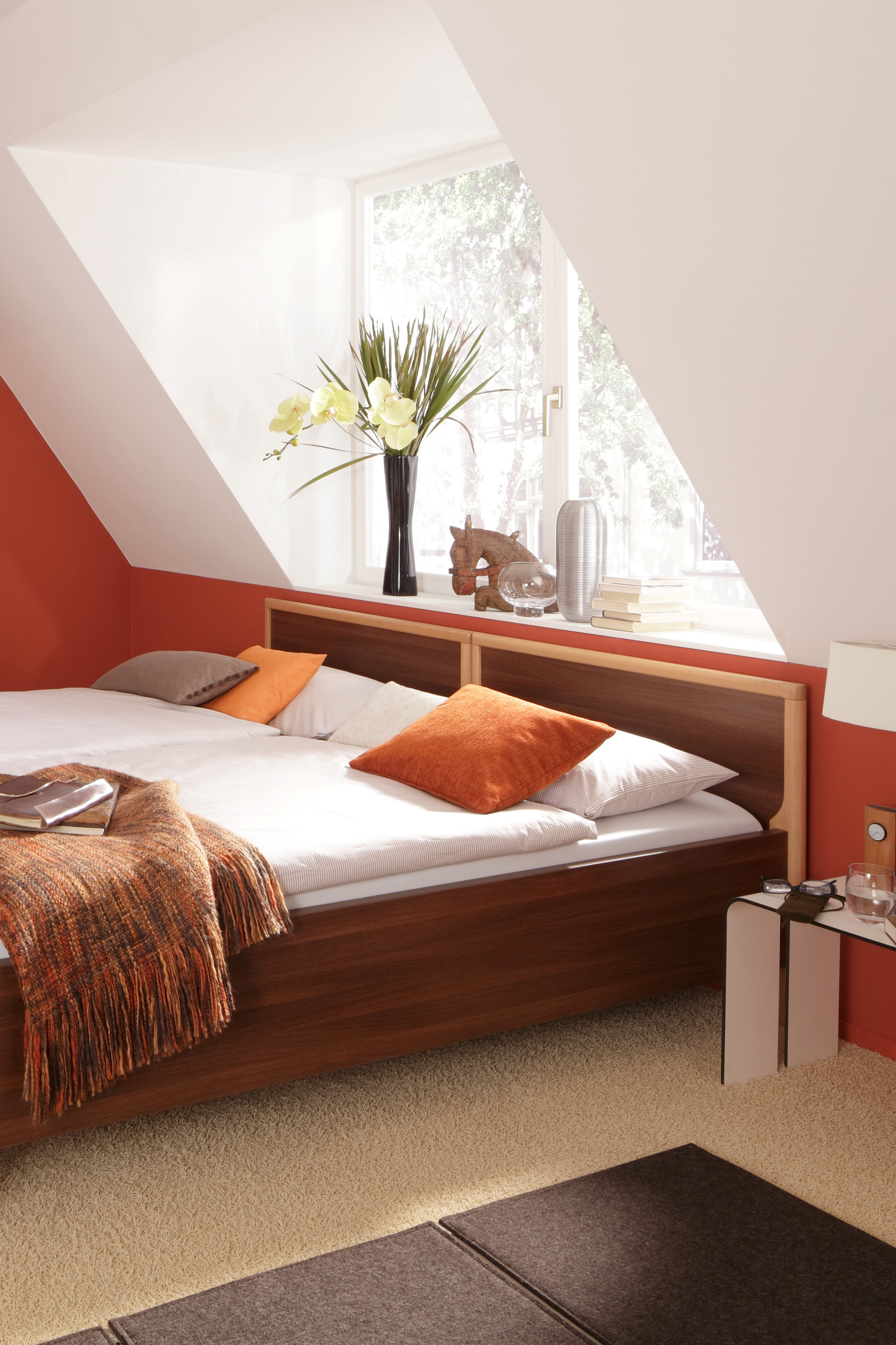 Relax bed frame in a double bed