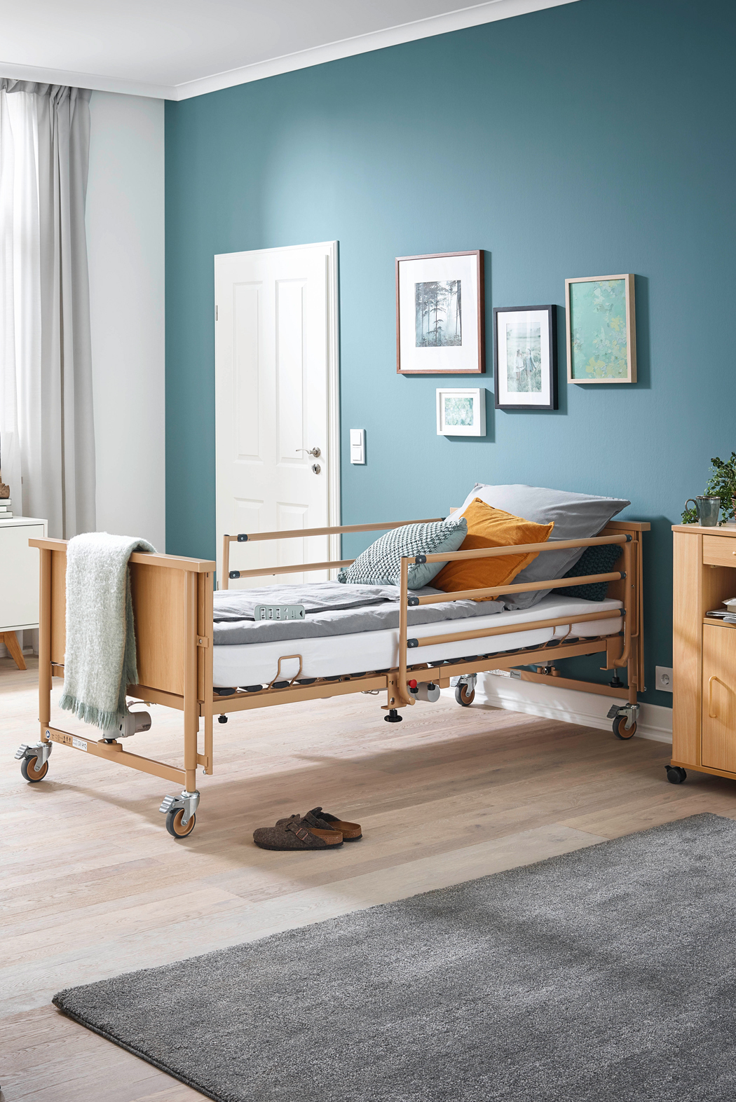 Optional adaptable safety side for the Dali care bed